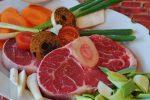 タンパク質とは何か?わかりやすく簡単に解説【種類や特徴、一日当たりの摂取目安量も紹介】