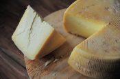 賞味期限切れのチーズを食べると危険?【チーズの賞味期限の注意点】