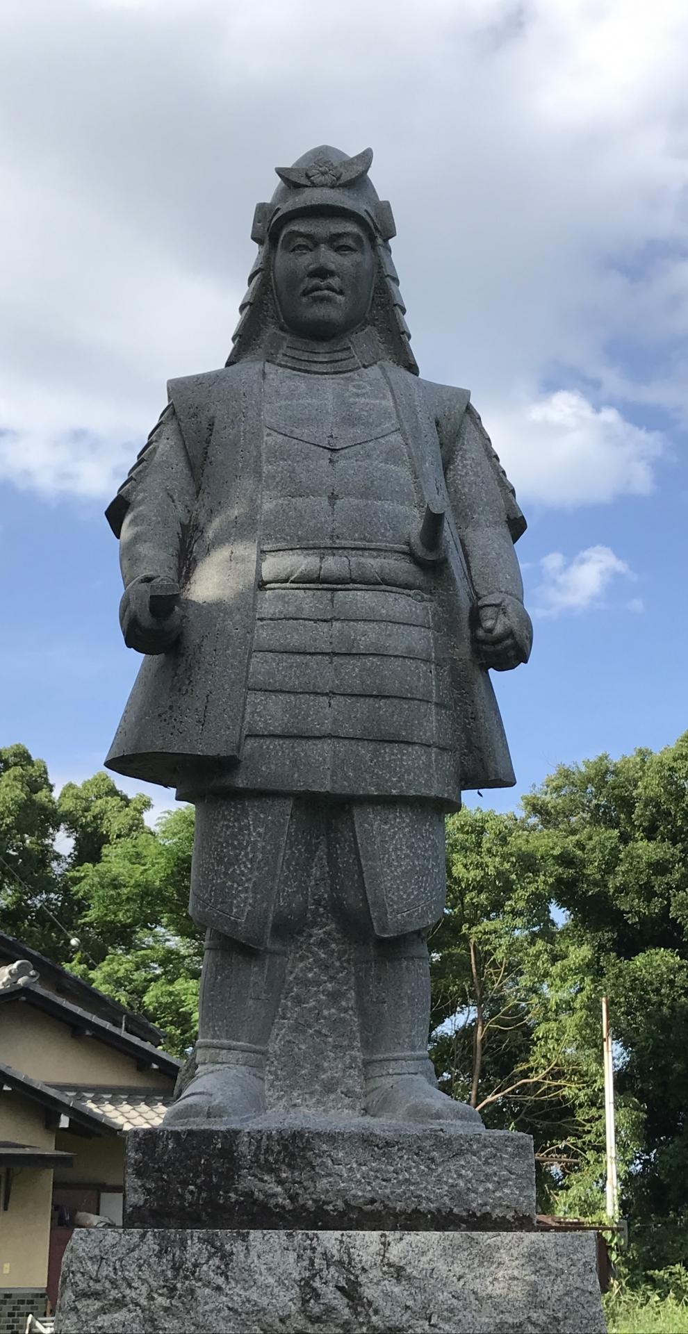 明智光秀の銅像