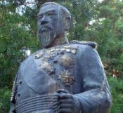 明治天皇の像