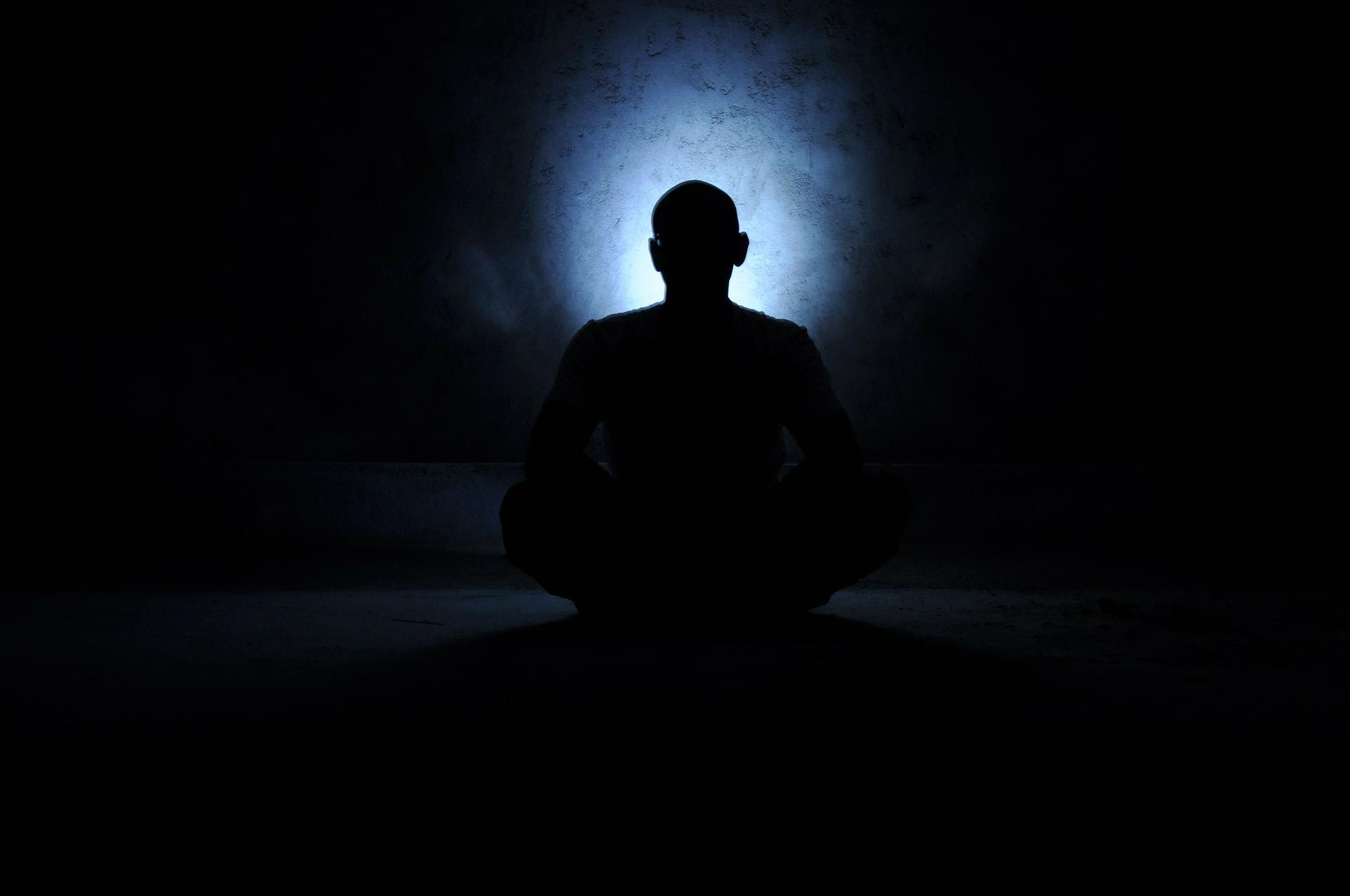 男の影と光
