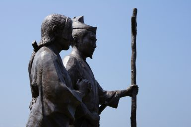 源頼朝と北条政子の像