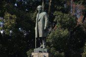 渋沢栄一の像