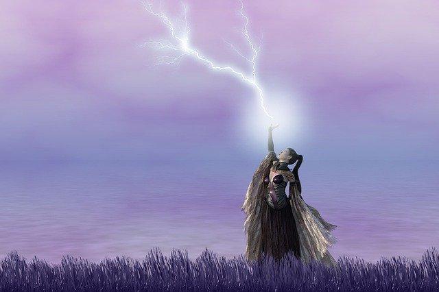 「雷(かみなり)」の語源や由来